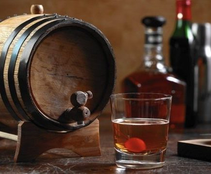 дубовая бочка для спиртного